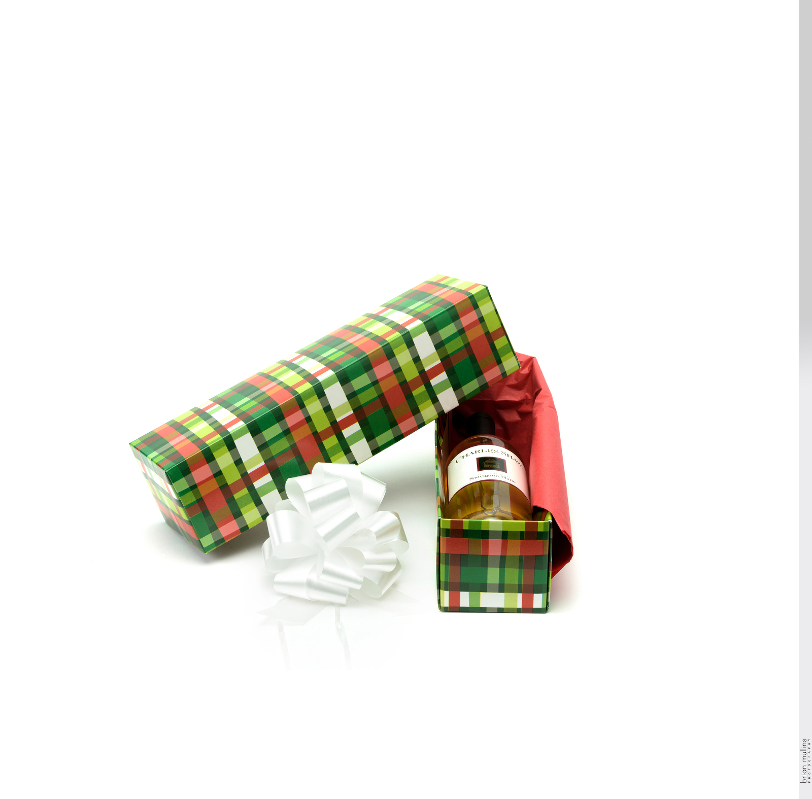 ready wrap gift box.0089%28pp w1600 h1575%29 - How product photography helps your product come alive
