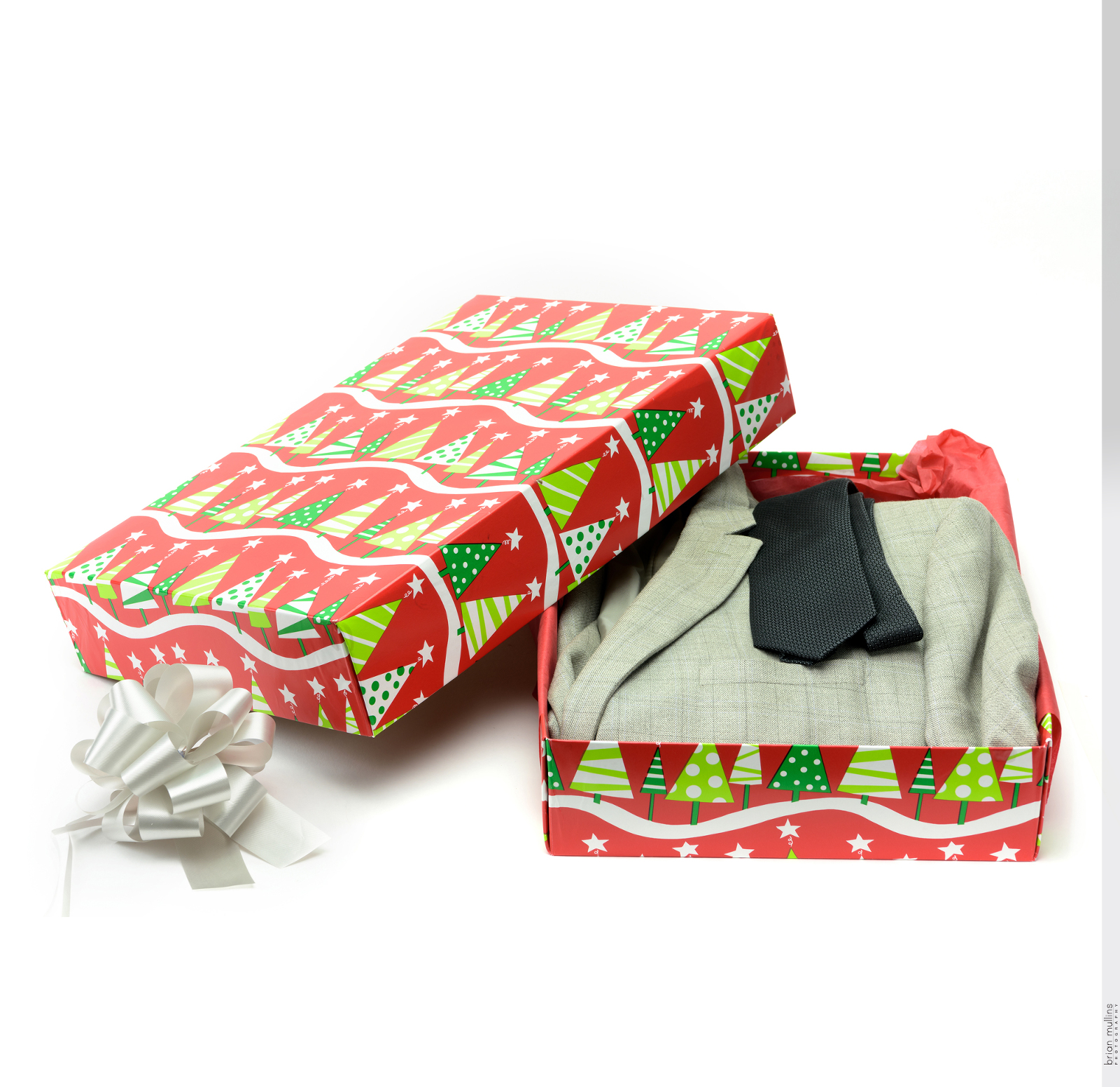 ready wrap gift box.0110%28pp w1600 h1553%29 - How product photography helps your product come alive