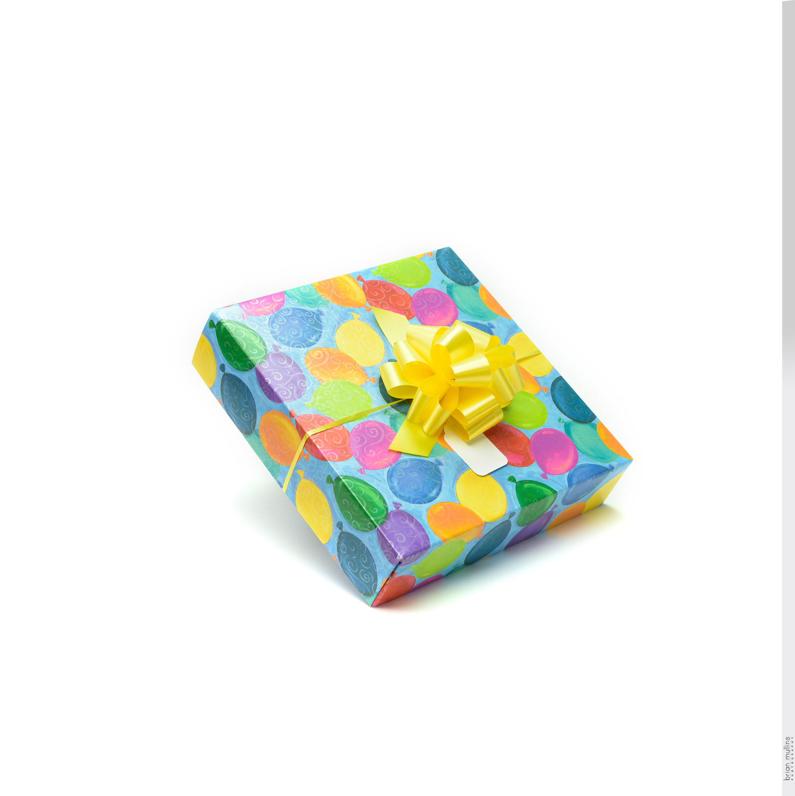 ready wrap gift box.0147%28pp w1600 h1602%29 - How product photography helps your product come alive